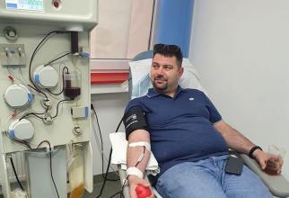 Chirurgul Cristi Onia a venit de la Focșani ca să doneze a doua oară. Foto: Facebook CTS București