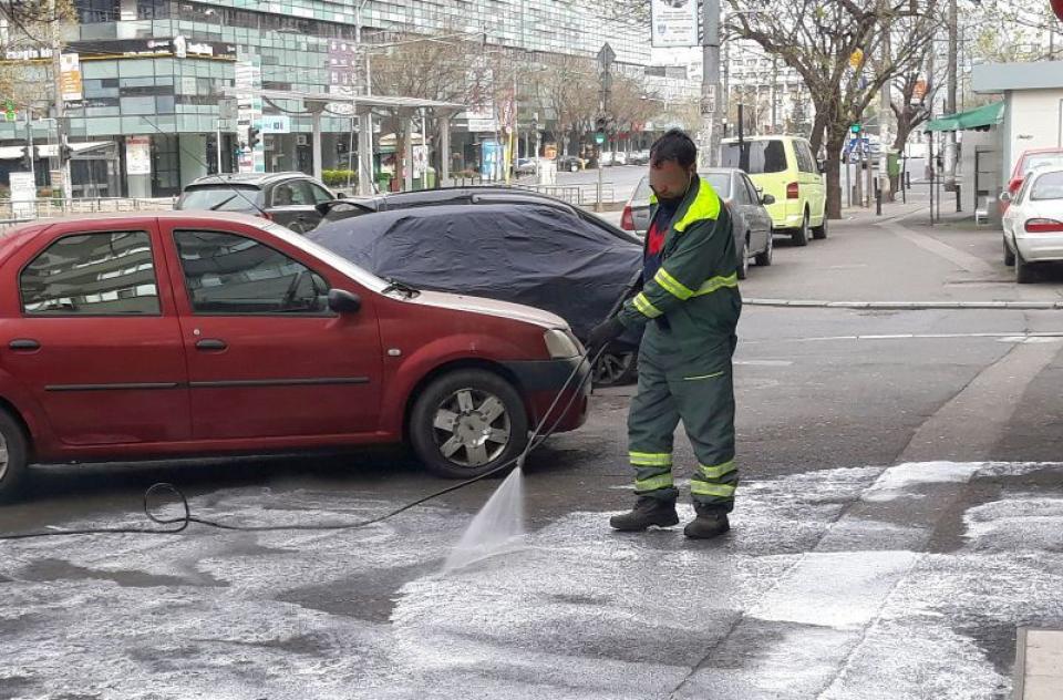 Dezinfectarea străzilor nu folosește la nimic spune OMS. FOTO DC Medical