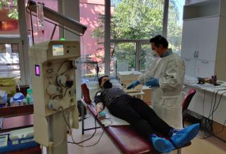 Zeci de români care au trecut prin COVID-19 au donat deja plasma. Foto: Florin Hozoc / Facebook