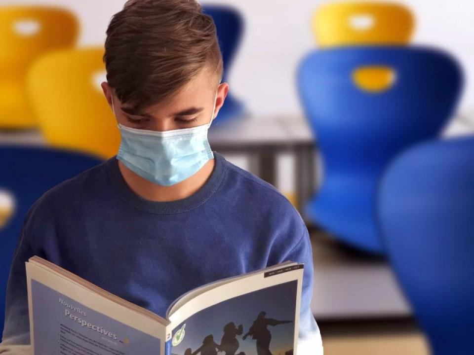 Elev, coronavirus, școală