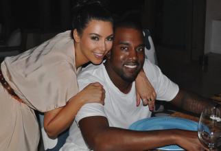 Kim Kardashian al[turi de so'ul ei, rapperul Kanye West. Foto: Facebook