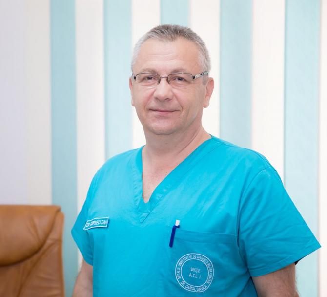 """Col.medic conf. univ. dr. Dan Corneci, șeful secției ATI din Spitalul Militar Central. Foto Spitalul Universitar de Urgenţă Militar Central """" Dr. Carol Davila"""""""