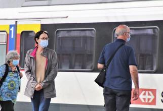 Purtatul măștii în tren este obligatoriu. Foto: Pixabay