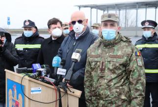 Dr Valeriu Gheorghiță (dreapta). Foto: MApN
