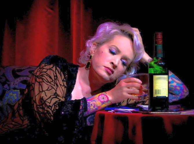 Mahmureala apare după ce ai consumat prea mult alcool. Foto: Pixabay