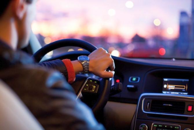 Curenții de aer din mașină fac diferența. Foto: Pixabay