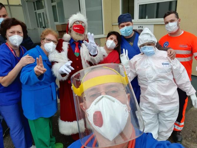 Echipa din care face parte dr Tudor Ciuhodaru vă urează LA MULTI ANI! Foto: Tudor Ciuhodaru