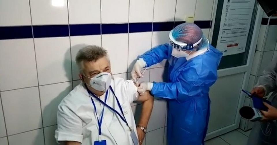 Vaccinare anti-COVID   Foto: MApN