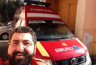 Bogdan Oprea face voluntariat la SMURD. Are licență de paramedic  FOTO: Facebook Bogdan Oprea