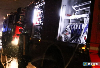 Pompieri noaptea. FOTO: ISU B-IF