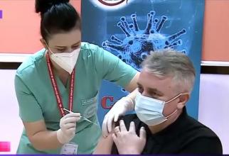 Lucian Bode, vaccinat. Foto: Print screen TVR