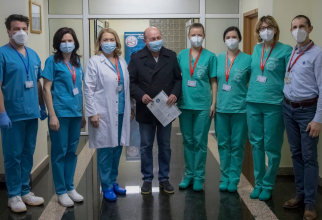 Traian Băsescu s-a vaccinat împotriva COVID   FOTO: Oana Ciobanu, Daniel Iancu/Facebook Spitalul Militar
