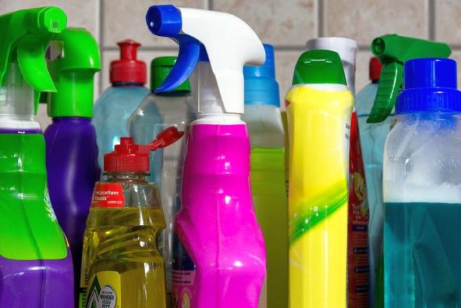 Soluții de curățat. Foto: Pixabay