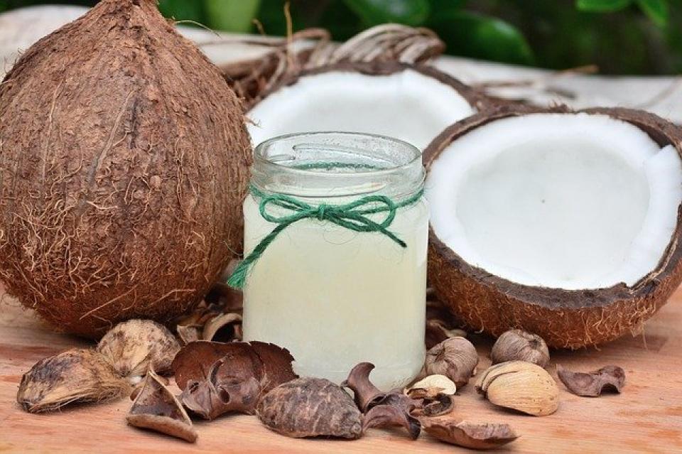 Uleiul de cocos are beneficiile sale  FOTO: Pixabay