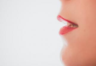 Ața dentară, CRUCIALĂ dacă suferi de COVID-19. Așa eviți să faci complicații SEVERE, care este explicația, FOTO unsplash