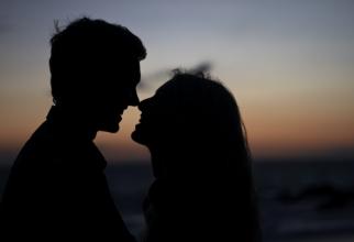 10 BOLI grave pe care le poți lua printr-un simplu sărut. Vei avea un ȘOC, FOTO unsplash
