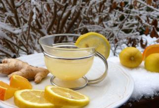 Un ceai cald cu lămâie și ghimbir face minuni la gripă. Foto: Pixabay
