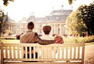 Iubirea poate fi experiemntată din mai multe unghiuri. Foto: Pixabay