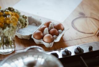 Ouă, cum trebuie păstrate la frigider: cu vârful în sus sau în jos? Puțină lume știe acest detaliu, FOTO unsplash