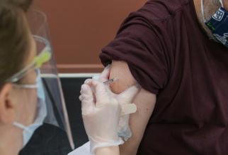 A fost DEZVĂLUIT profilul persoanei care manifestă reacții ADVERSE la vaccinul COVID-19, FOTO unsplash