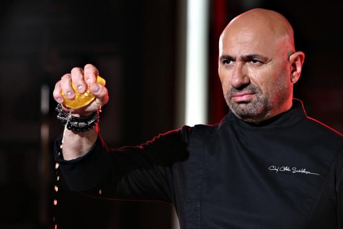 Șnițele făcute la nervi, rețeta fabuloasă a lui chef Scărlătescu. Le mănânci pe toate! FOTO facebook