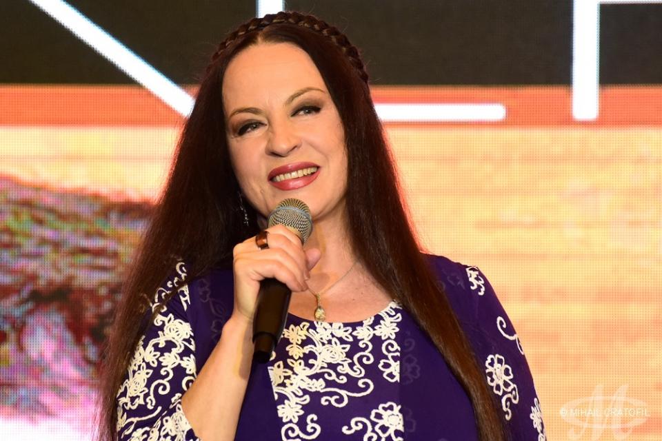 Maria Dragomiroiu, SECRETUL unui păr lung și strălucitor. Vedeta aplică un truc vechi, cu rezultate FABULOASE, FOTO Facebook