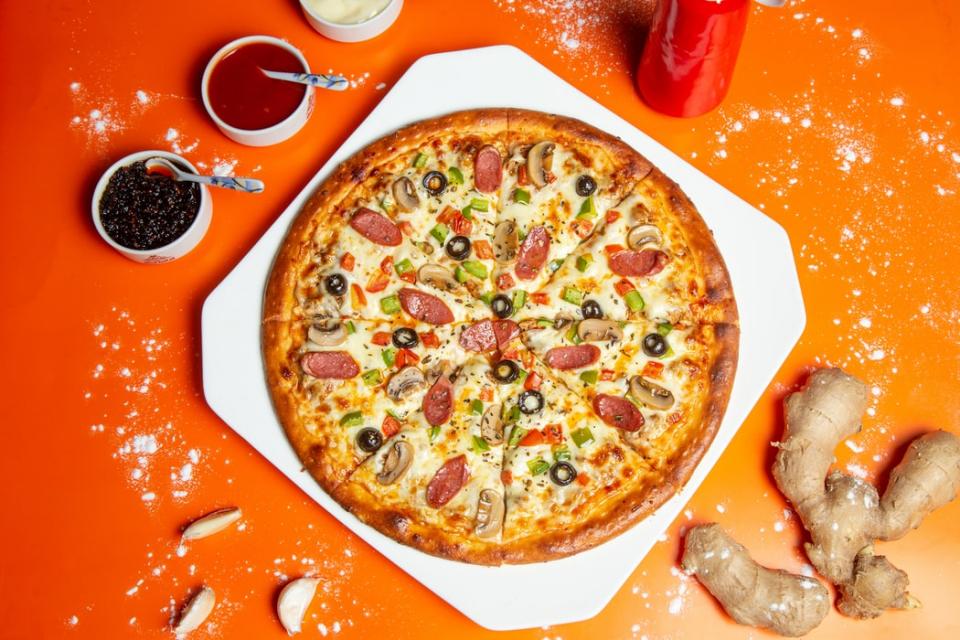 Cea mai bună pizza făcută în casă, cu blat pufos. Rețetă SIMPLĂ, FOTO unsplash