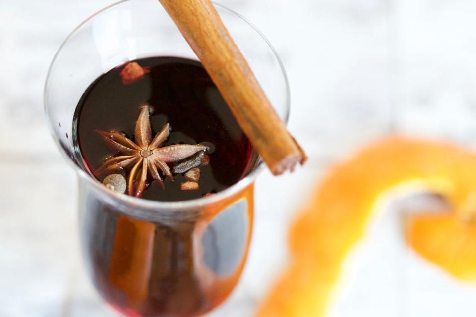Vinul fiert cu scorțișoară, o băutură delicioasă, dar periculoasă. 5 efecte ADVERSE, FOTO pexels