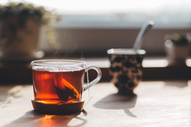 ceai de slabit cu foi de dafin si scortisoara