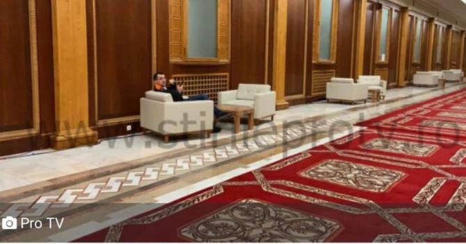 Vlad Voiculescu fără mască în Parlament. Foto: Pro TV