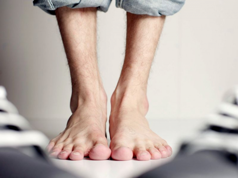 Picioare bărbați. Foto: Pixabay