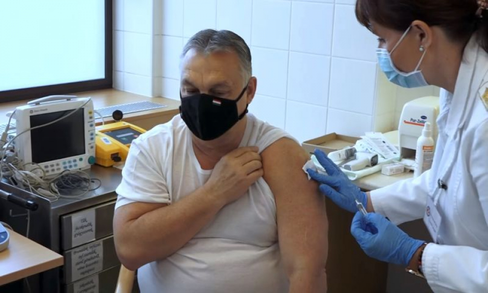 Viktor Orban vaccinat cu vaccinul de la Sinopharm. Foto: Facebook
