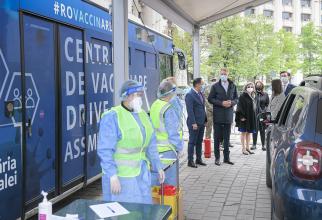 Imagine de la deschiderea primului centru de vaccinare drive thru din București  FOTO: Facebook Andrei Baciu