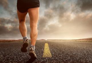 Jumătate dintre alergătorii amatori se accidentează în decursul unui an. Foto: Pixabay