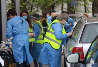 Centru de vaccinare drive thru din București  FOTO: Facebook Ro Vaccinare/via CNCAV - locotenent Gabriel Chiriloiu