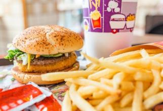 Ambalaje folosite în lanțuri de fast-food conțineau produse periculoase. Foto: Pixabay