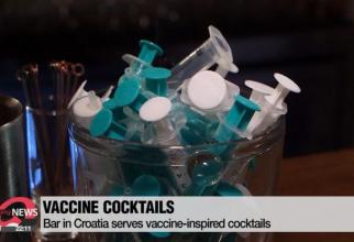 Cocktailurile băute din seringi, cu nume de vaccinuri COVID-19. Foto Print screen