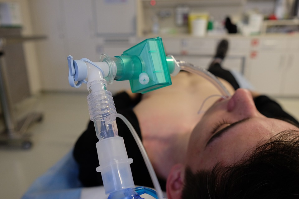 Pacient intubat     Foto: pixabay.com