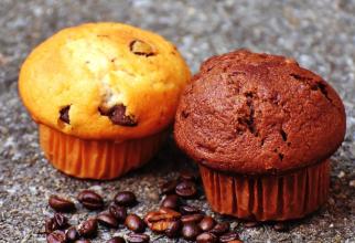 Brioșe cu stafide și cafea, fără zahăr sau făină. Foto: Pixabay