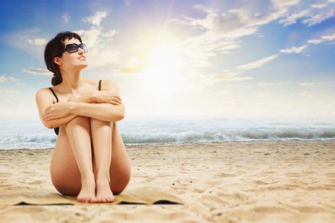 Dacă stai la soare și 15 minute organismul produce suficientă vitamina D cât pentru toată ziua. Foto: Pixabay