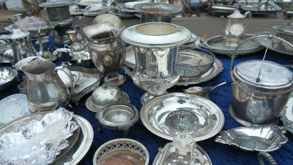 Farfurii din argint. Foto: Pixabay