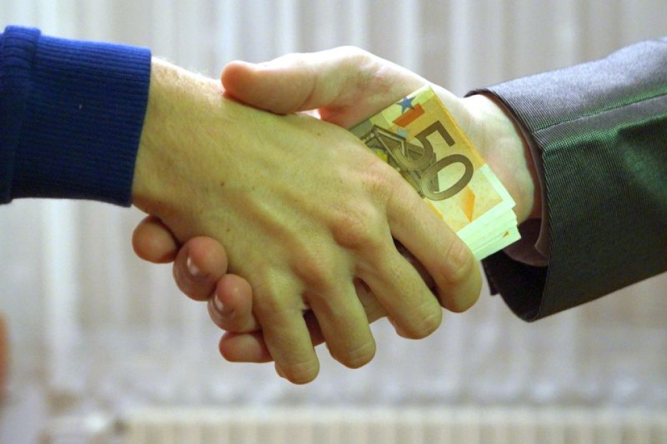 Mită și corupție în România. Foto: Pixabay