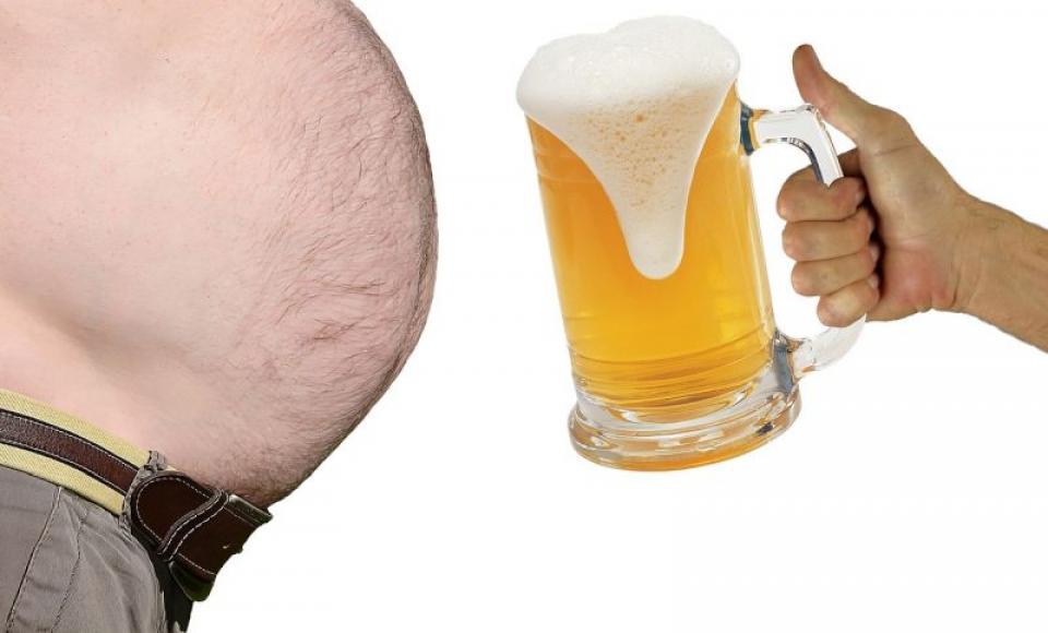 La obezi și supraponderali efectele alcoolului sunt infinit mai devastatoare. Foto: Pixabay