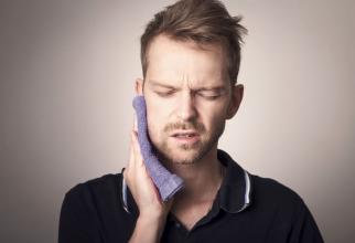 Parodontita poate declanșa boli cardiovasculare. Foto: Pixabay