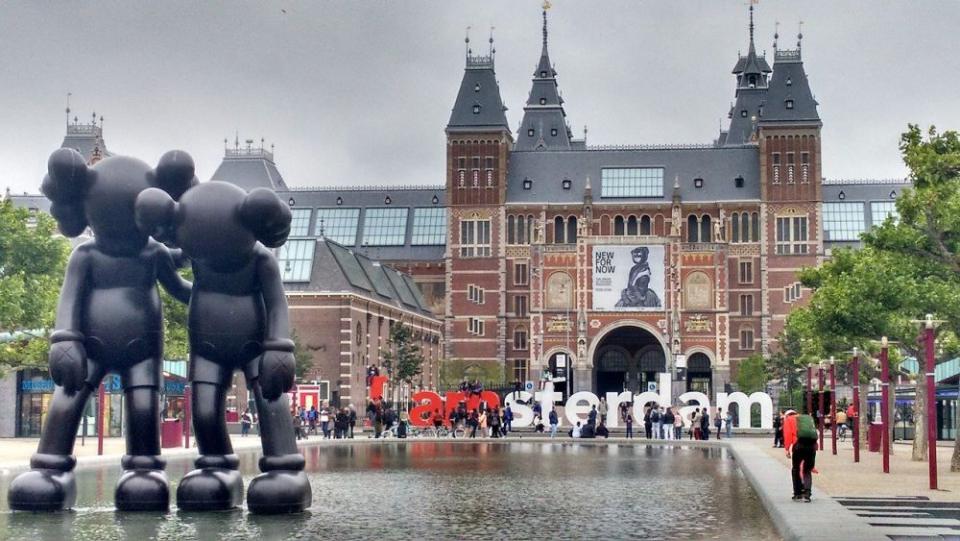 Studenții care învață în universitățile din Amsterdam și celelalte orașe din  Olanda, vor merge la cursuri. Foto: Pixabay