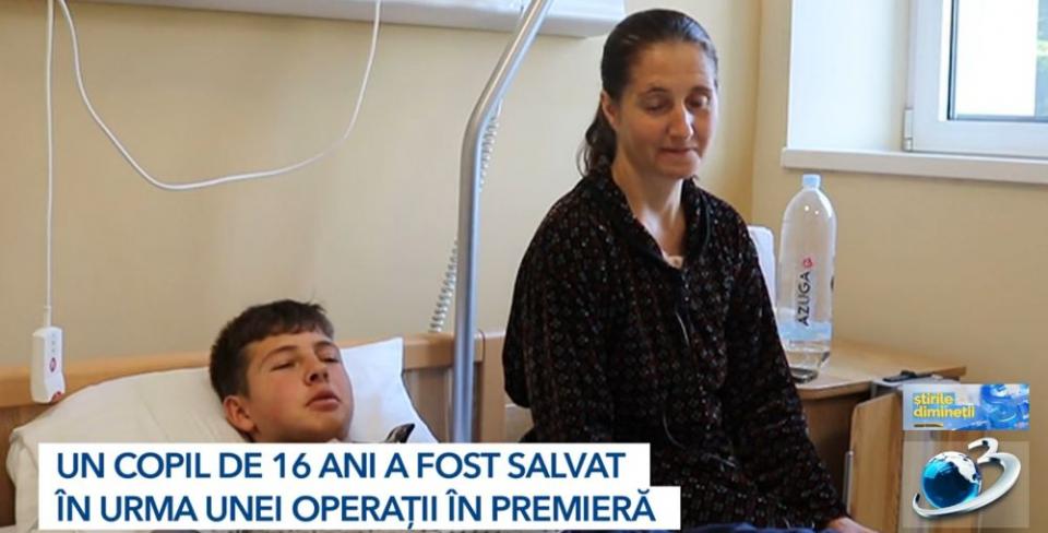 Adolescentul care a primit grefa pulmonară are doar 16 ani. Foto: Print screen Antena3