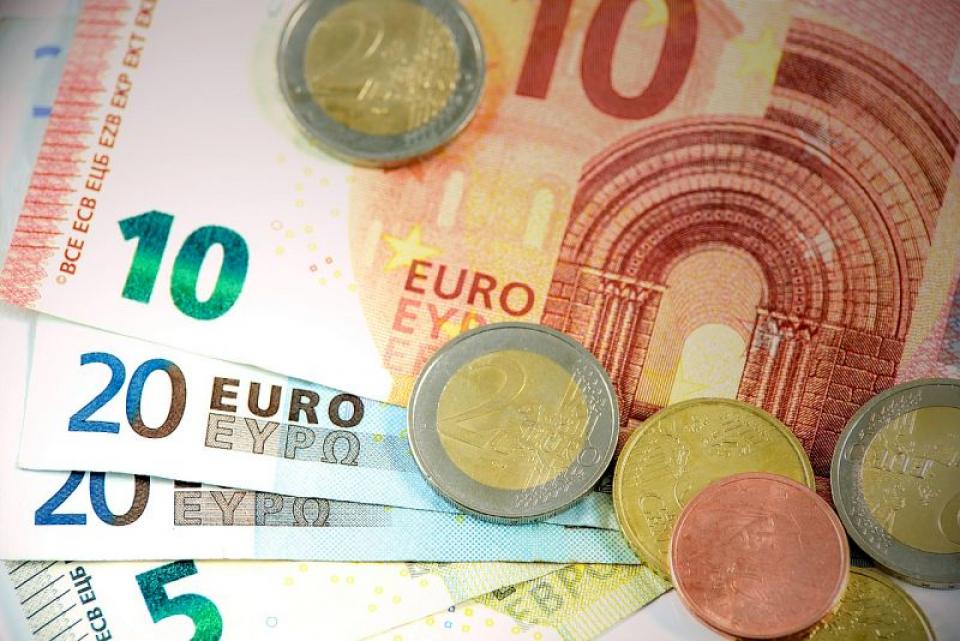 Euro, bancnote și monede. Foto: Pixabay