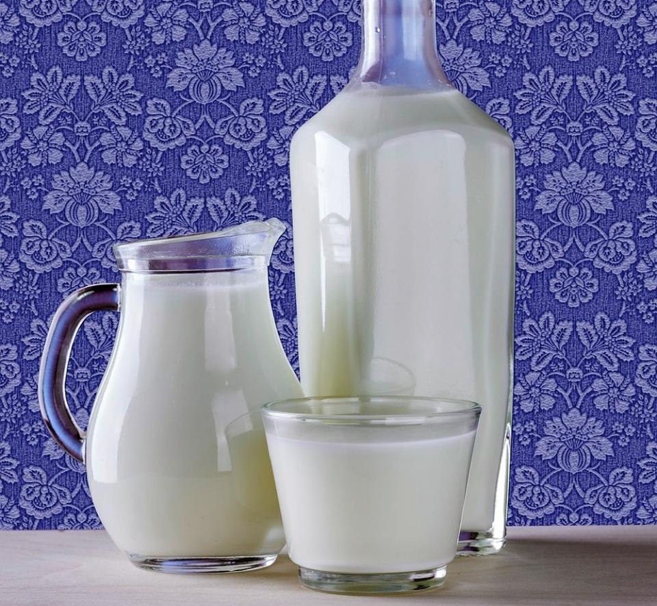 Vitamina D din trei pahare de lapte consumate zilnic protejează contra cancerului colorectal. Foto: Pixabay