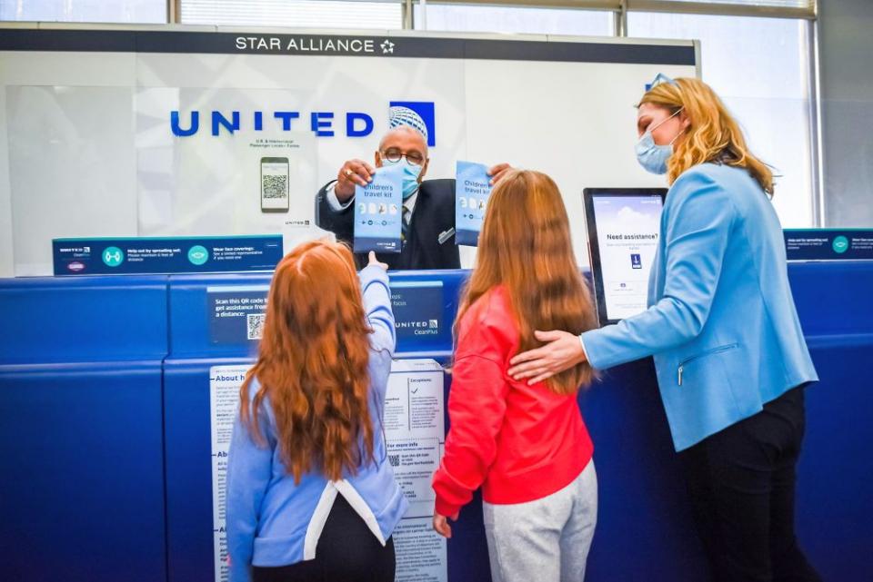 Toți angajații United Airlines trebuie să se vaccineze contra COVID-19.  Foto: Facebook / United