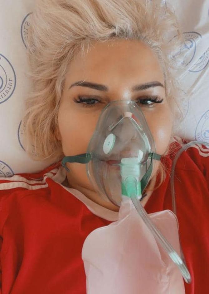 Viorica din Clejani a avut nevoie de masca cu oxigen. Foto: Facebook / pagina personală